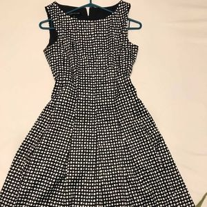 Jones New York Dresses - Jones New York Dresses size 6